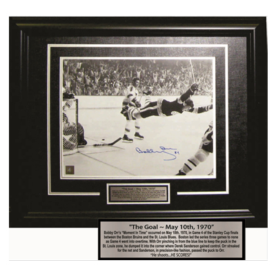 650124-''The Goal'' Bobby Orr Signed Photo